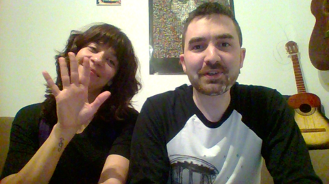 Shirly con Chus saludando (ver foto)